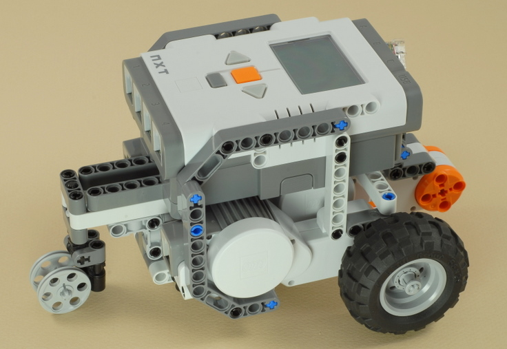 NXT 3-Motor Chassis
